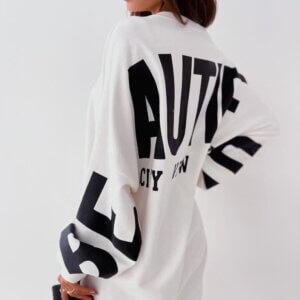 Μπλούζα-φόρεμα φούτερ σε λευκό χρώμα με μαύρα γράμματα
