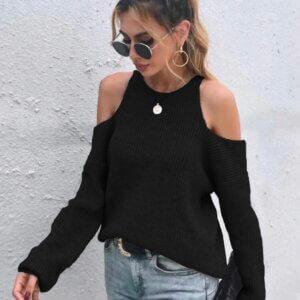 Πλεκτή μπλούζα με έξω τους ώμους σε μάυρο χρώμα